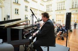 """DEU, Deutschland, Germany, Berlin, 30.06.2016: Luther-Symposium """" Ich und Luther?! Wieviel Erneuerung braucht unser Leben und Arbeiten?"""", Atrium der F.A.Z. Foto: Jens Jeske"""
