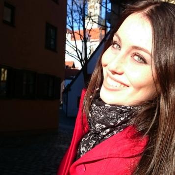 Nicole Wöhrle (24) ist angehende Medienfachwirtin und lebt in Augsburg.