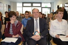 Aufmerksam zugehört hat Sachsen-Anhalts Ministerpräsident Reiner Haseloff den Magdeburger Schüler*innen.